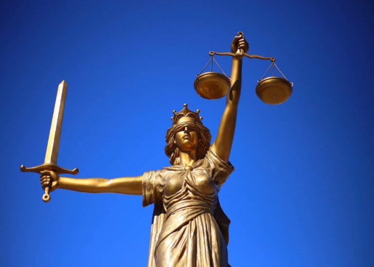 ¿Cuánto gana un abogado en Estados Unidos?